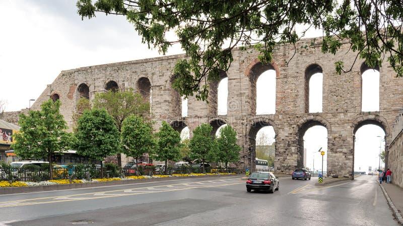 Aqueduc de Valens un aqueduc romain qui était l'eau principale fournissant le système de la capitale romaine orientale de Constan photo libre de droits