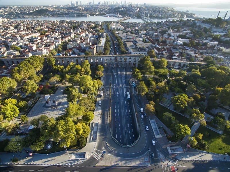 Aqueducs antiques d'Istanbul photo stock
