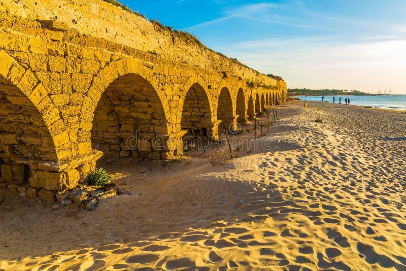 Aqueduto, construído sob o reino de Herod o grande fotos de stock royalty free