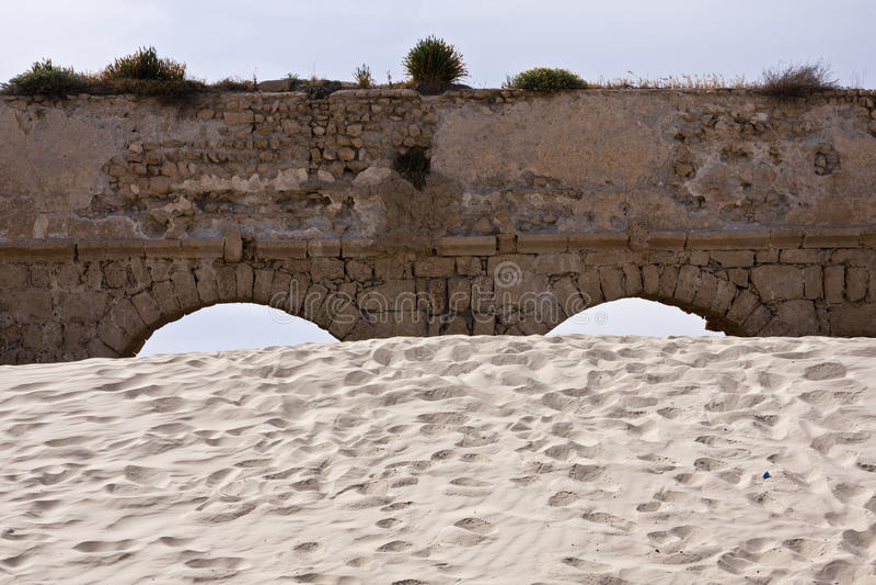 Aqueduto de Caesarea imagens de stock