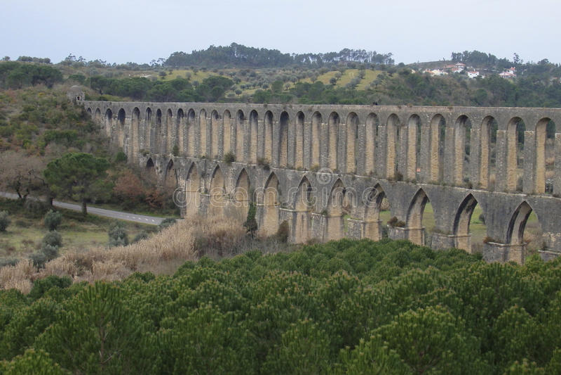 Aqueduto de Pegoes Tomar Portugal royaltyfri bild