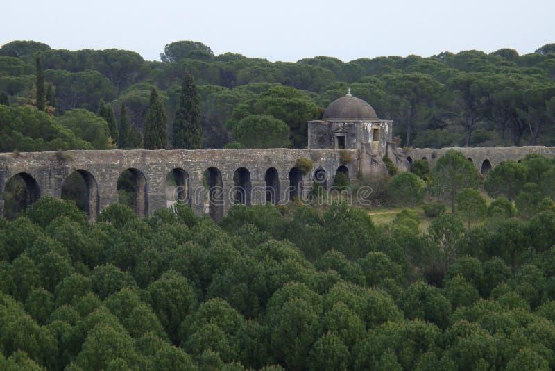 Aqueduto de Pegoes Tomar Portugal royaltyfri fotografi