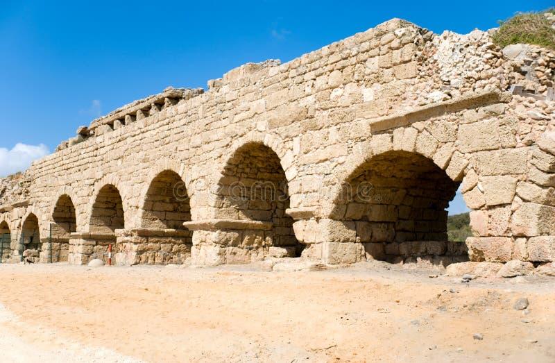 Aqueduto em Caesarea fotos de stock