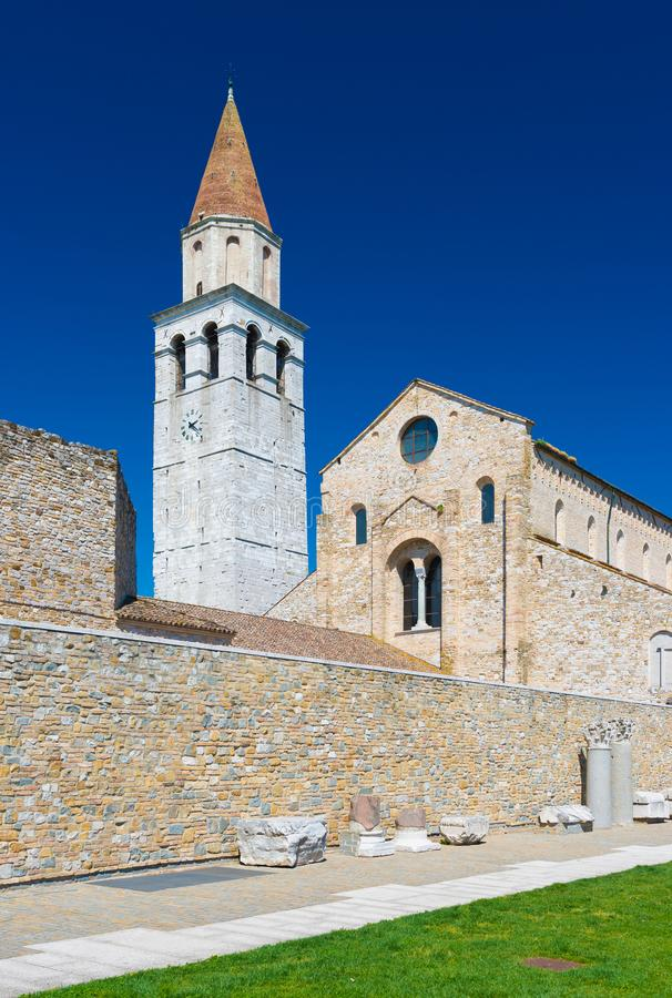 Aquileia - avril 2016, l'Italie : Di Santa Maria Assunta de basilique image libre de droits