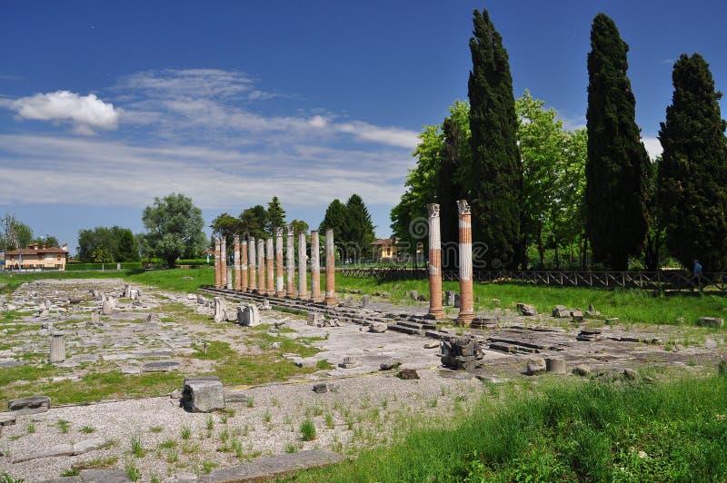 Aquileia Friuli Venezia Giulia, Italien roman fördärvar arkivbild