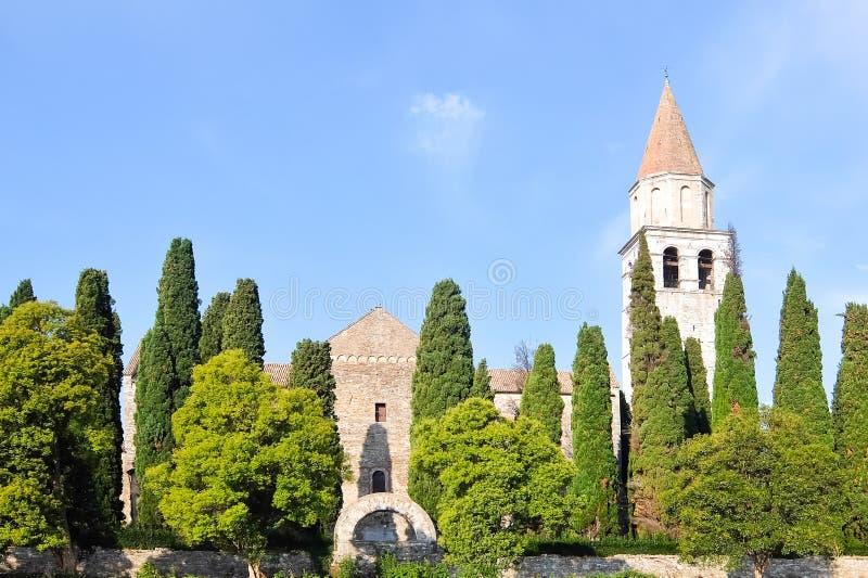 Aquileia, Italie Vue des Di Santa Maria Assunta de basilique photos libres de droits