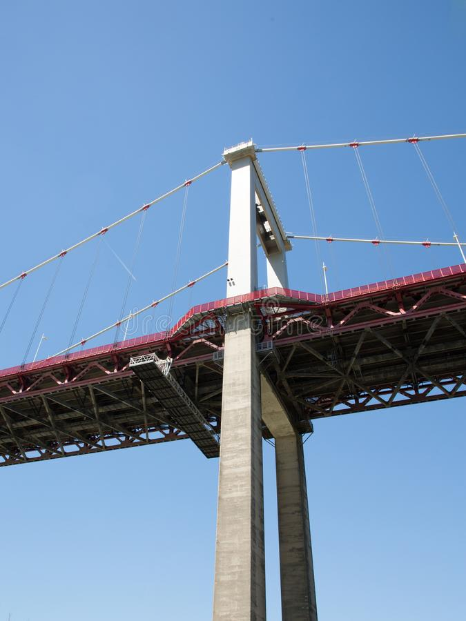 Aquitaine Bridge è un ponte sospeso situato sull'anello del Bordeaux immagine stock libera da diritti