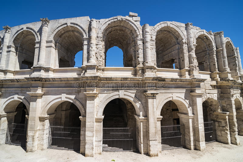 Download Arène d'Arles image stock. Image du européen, europe - 76082263