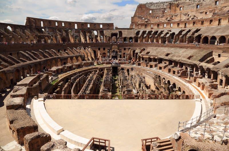 Arène intérieure dans le Colisé antique à Rome image libre de droits