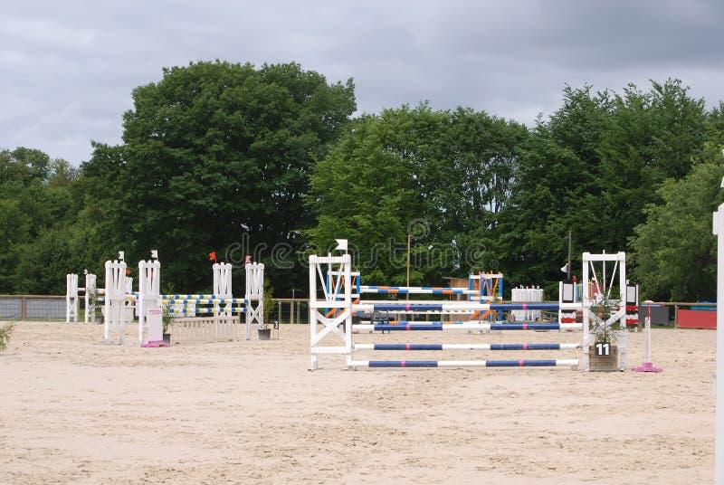 Arène sautante de cheval en Le Pompidou France photographie stock libre de droits