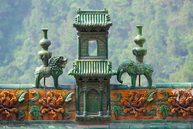 Download Arête chinoise de toit image stock. Image du azur, éléphant - 76081149