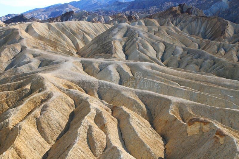 Arêtes fortement érodées en canyon d'or, parc national de Death Valley image libre de droits