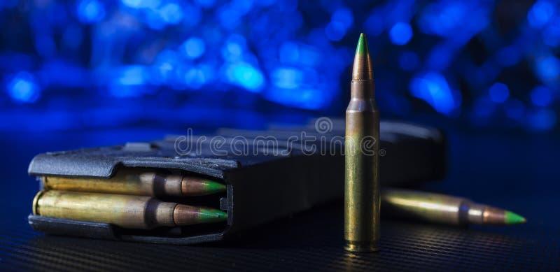 AR-15弹药和聚合物杂志 免版税库存图片