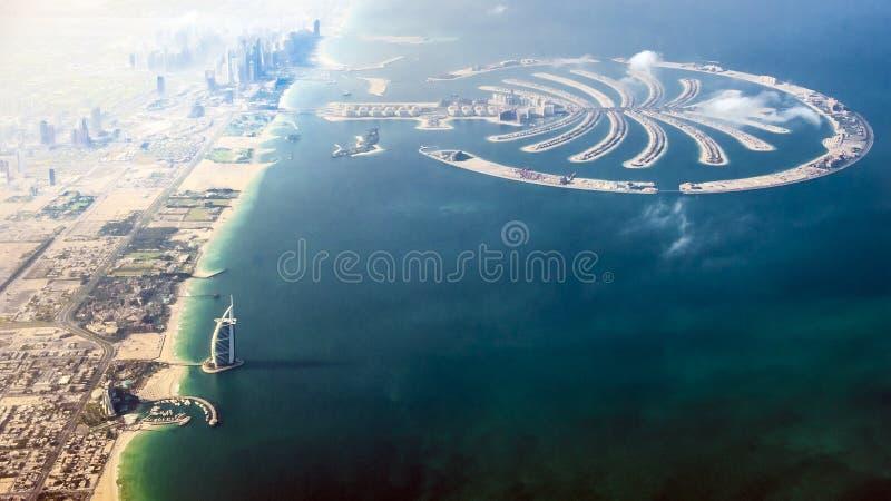 Arabe d'Al de Dubaï – de Burj et l'île de paume
