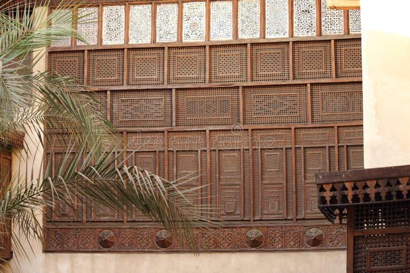 Arabesquefönster royaltyfri foto