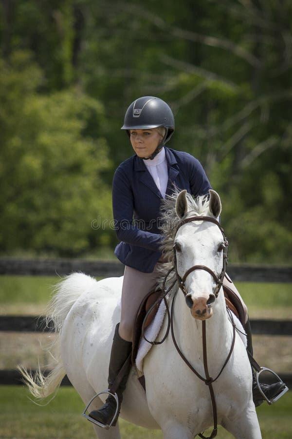Arabian com mulher Rider Portrait foto de stock