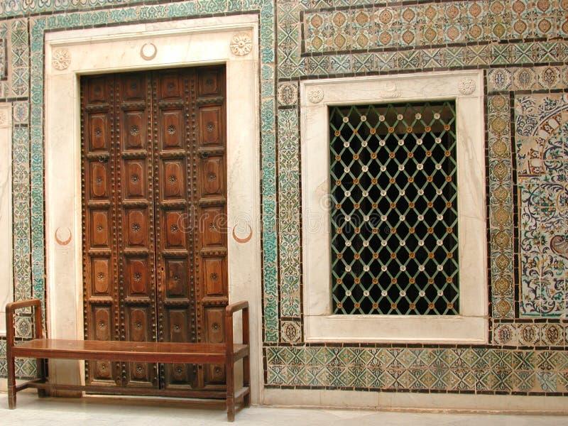 arabien det dubbla fönstret arkivbilder