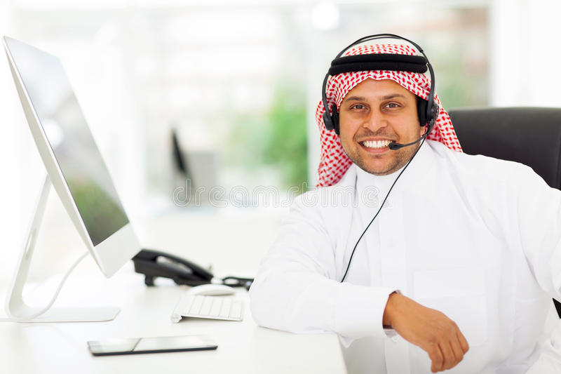 Arabische Call-Center-Arbeitskraft stockfotografie