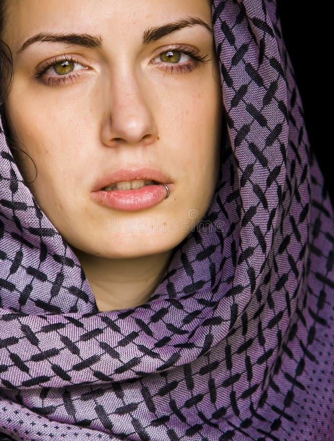 Arabische Schönheit Durchbohrt