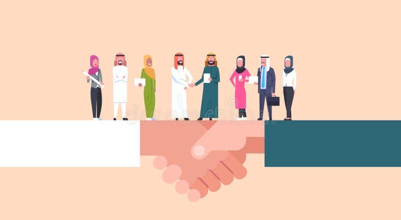 Arabische Geschäftsmänner, die Hände mit Team Of Muslim Businesspeople, Geschäfts-Vereinbarung und Partnerschafts-Konzept rütteln lizenzfreie abbildung