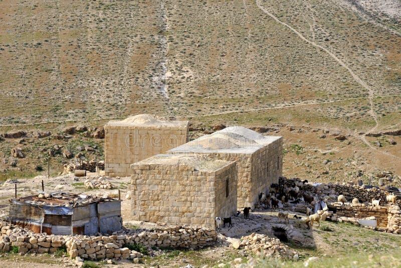 Arabische hutten in Judea-woestijn, Israël. royalty-vrije stock fotografie