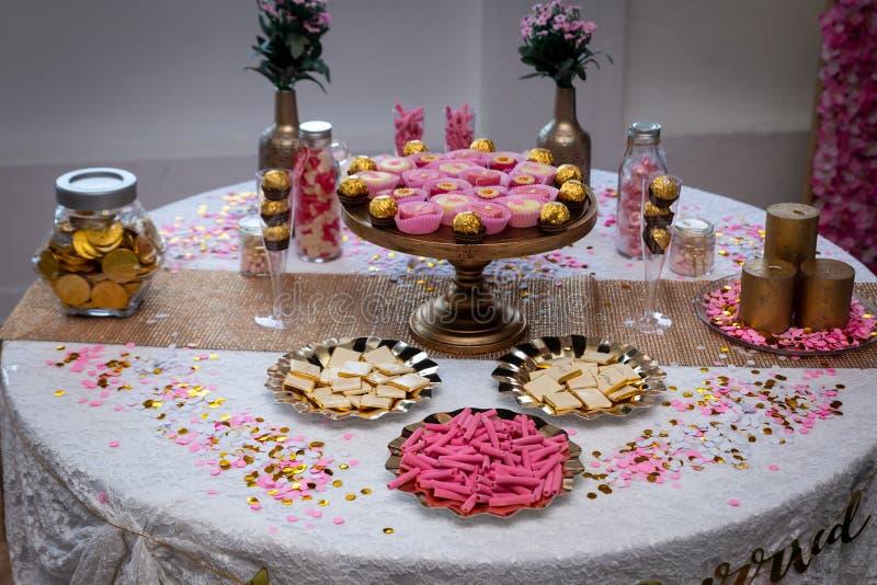 Arabischer iranischer Hochzeitsfesttischschmuck stockbild