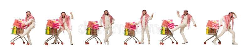 Arabischer Mann, der das Einkaufen lokalisiert auf Wei? tut lizenzfreie stockfotos
