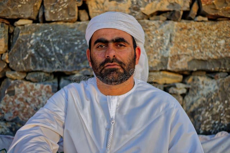 Arabischer Mann im Trachtenkleid stockbilder