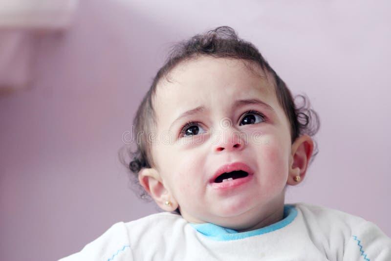Arabisches Babyschreien stockfoto