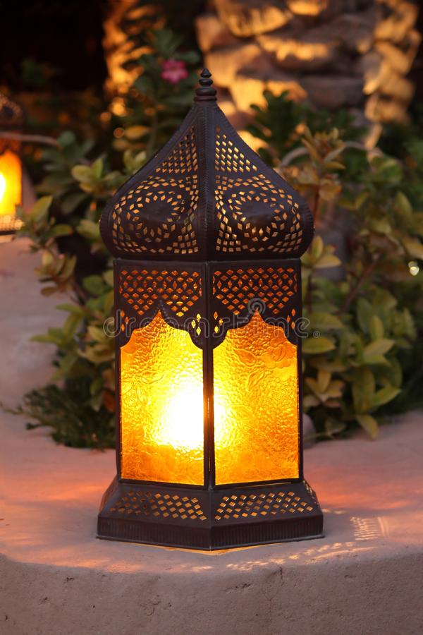 arabisk färgrik lampa royaltyfria bilder