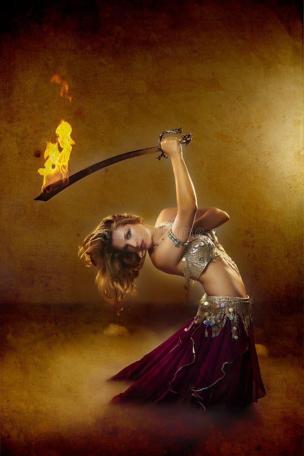 Arabisk kvinnakrigare royaltyfri foto