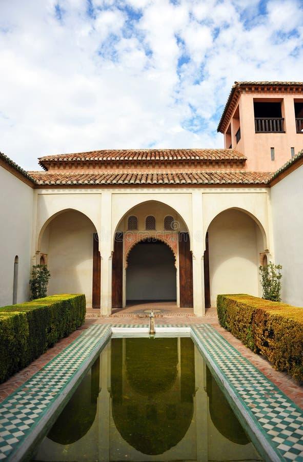 Arabisk slott av Alcazabaen, Malaga, Andalusia, Spanien royaltyfria bilder