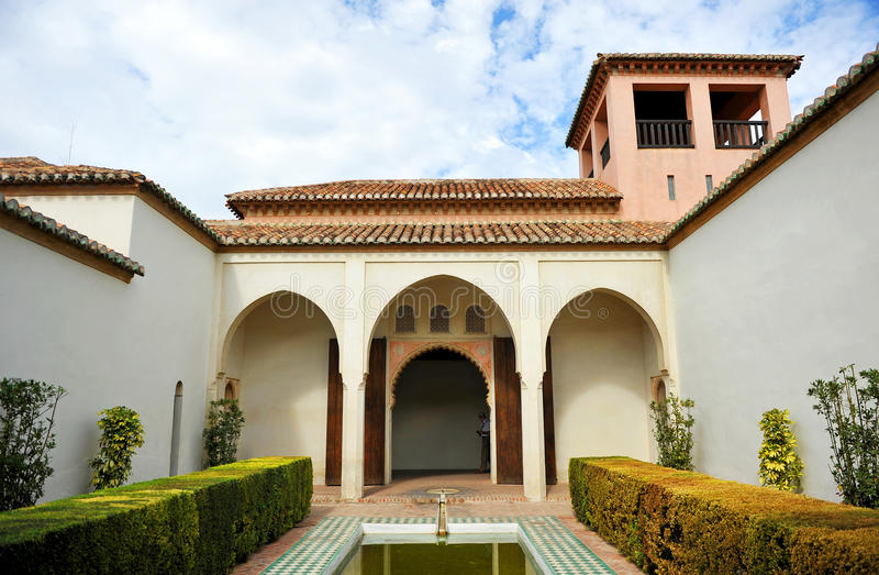 Arabisk slott av Alcazabaen, Malaga, Andalusia, Spanien royaltyfri foto