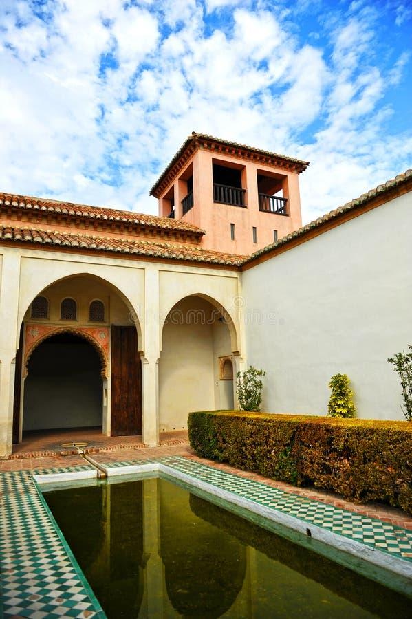 Arabisk slott av Alcazabaen, Malaga, Andalusia, Spanien royaltyfri bild