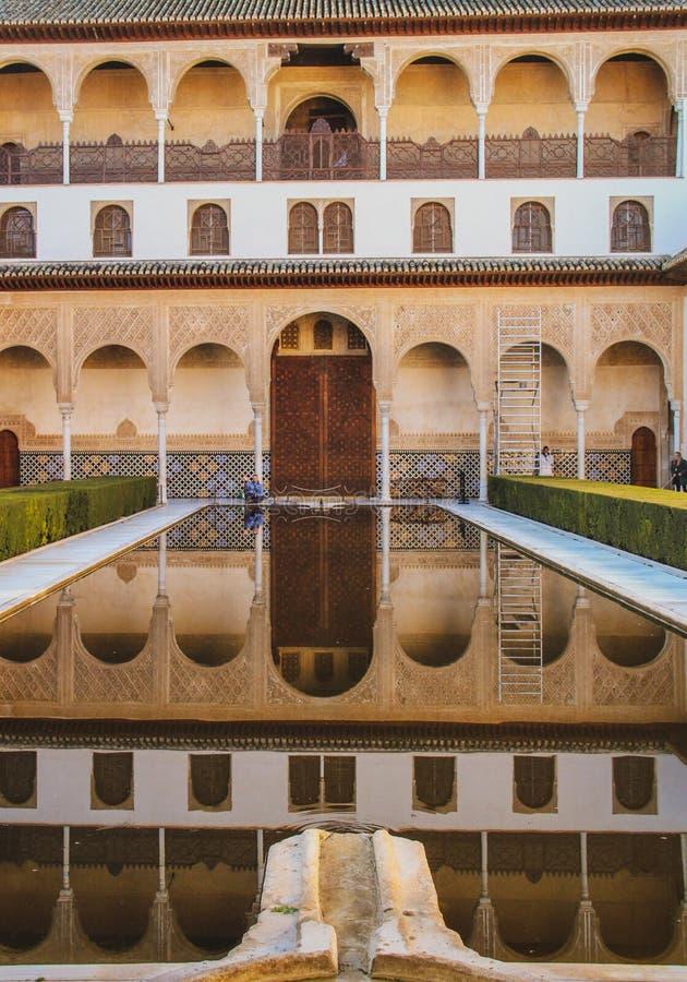Arabiska motiv i Granada, Andalusia, Spanien royaltyfri bild