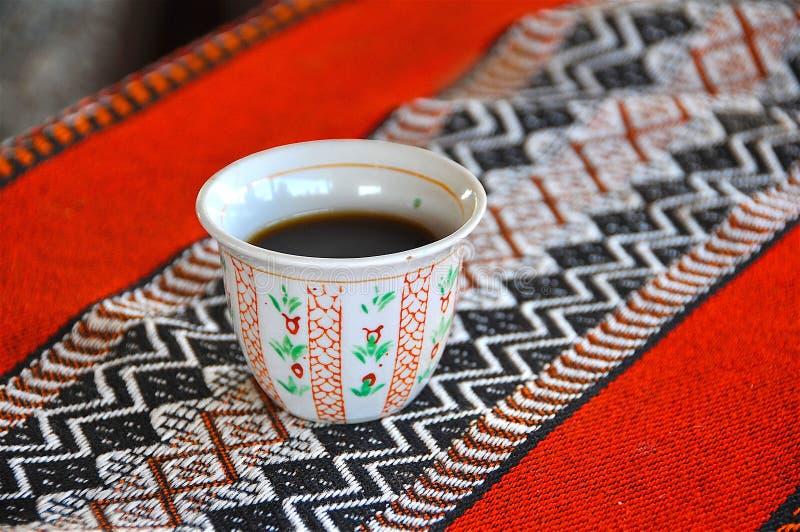Arabiskt svart kaffe royaltyfria bilder