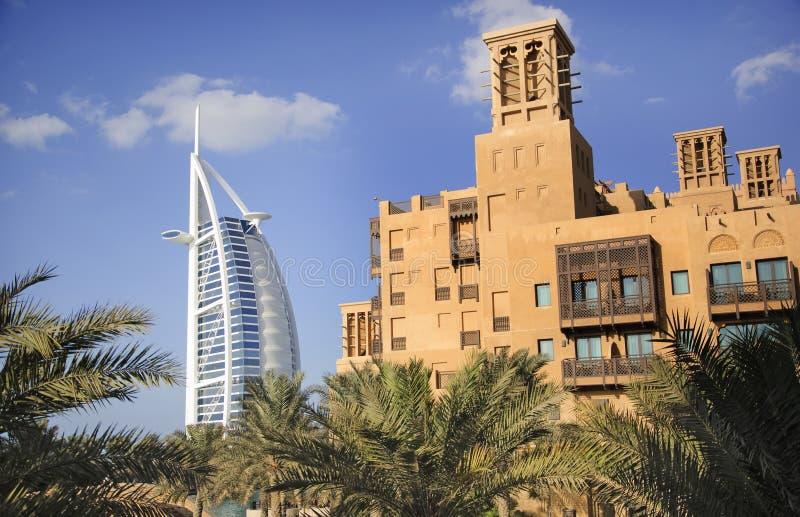 Arabo di Al di Burj e Madinat Jumeirah fotografie stock