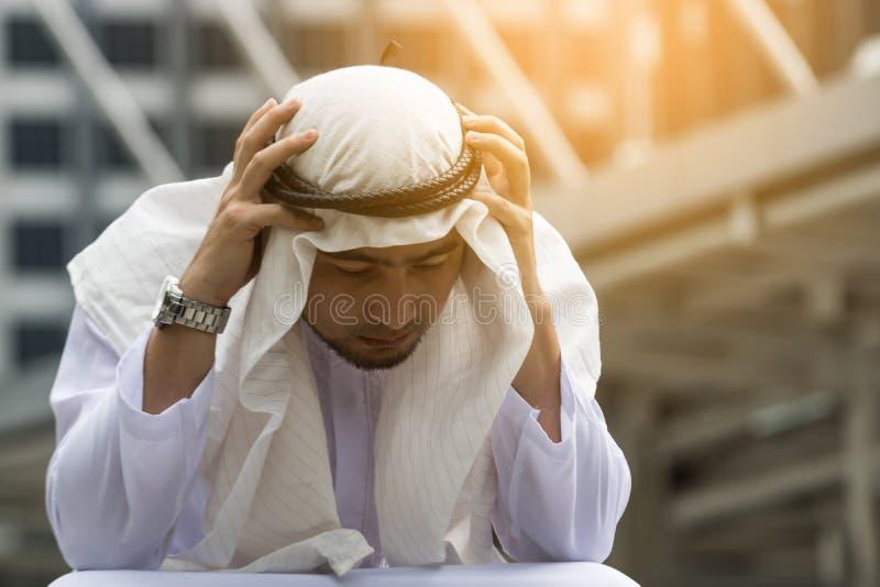 Arabscy mężczyzna są stresem zdjęcie royalty free