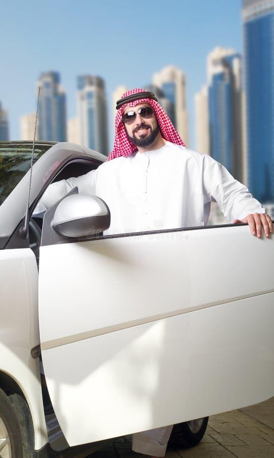 Arabski facet w mieście fotografia stock