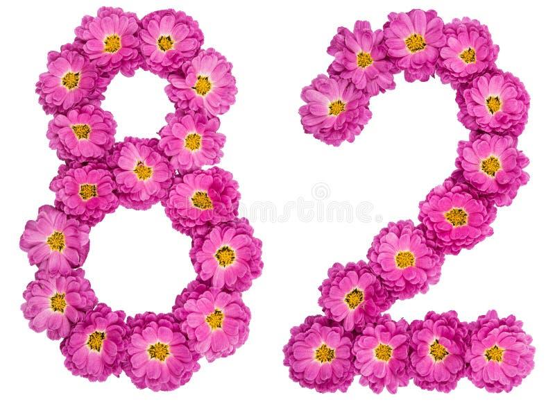 Arabski liczebnik 82, osiemdziesiąt dwa, od kwiatów chryzantema, jest fotografia royalty free