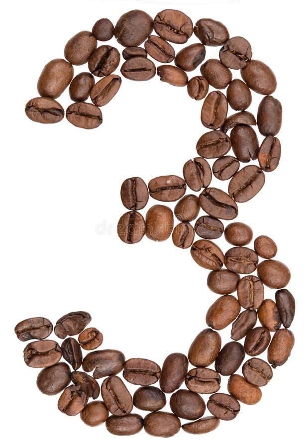 Arabski liczebnik 3, trzy, od kawowych fasoli, odizolowywać na białych półdupkach obraz stock