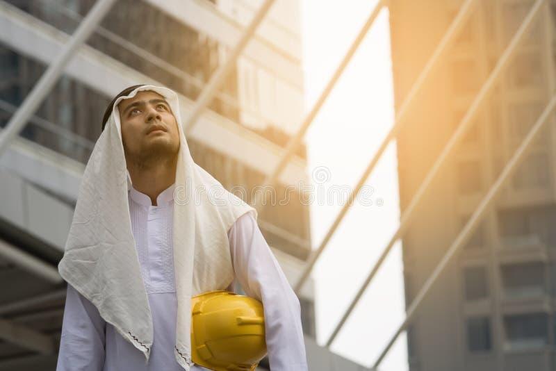 Arabski młody architekta inżynier obraz stock