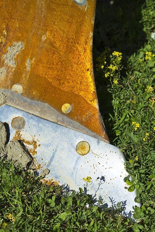 Arado oxidado velho fotografia de stock