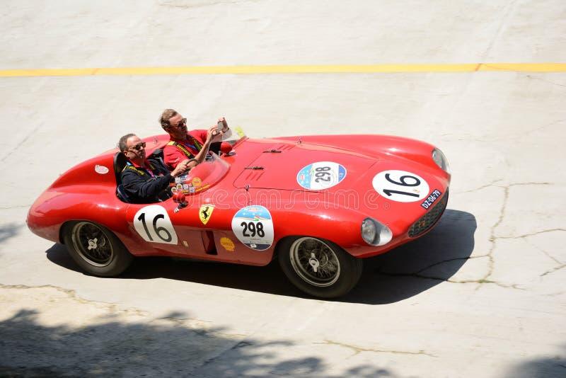 Download Araignée 1954 De Ferrari 750 Monza Scaglietti Chez Mille Miglia Photographie éditorial - Image du rendement, piloter: 76085767