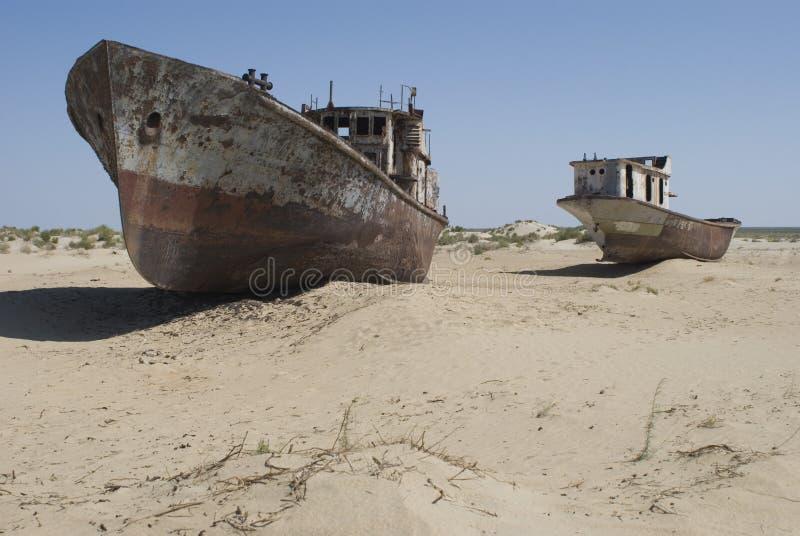 aral terenu łodzi cmentarza morze fotografia stock