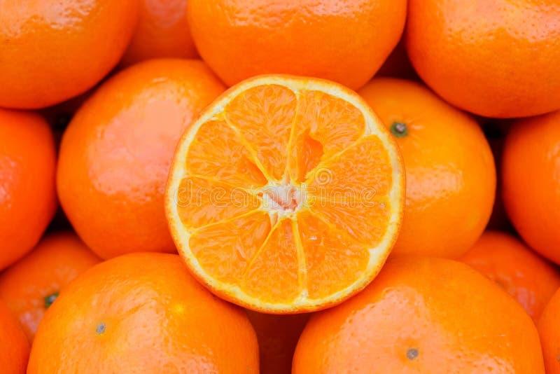 Arancia fresca sul mercato fotografia stock