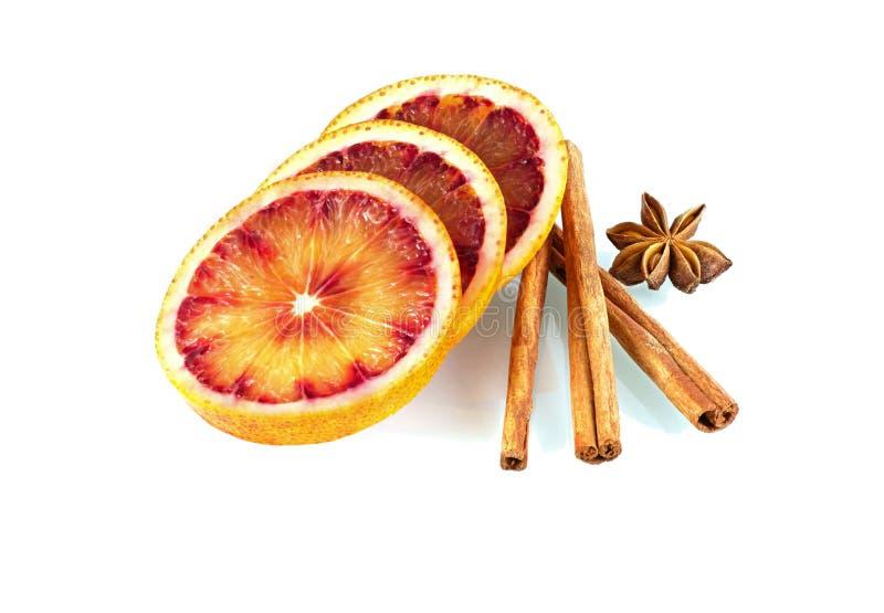 Arancia sanguinella con le spezie immagini stock