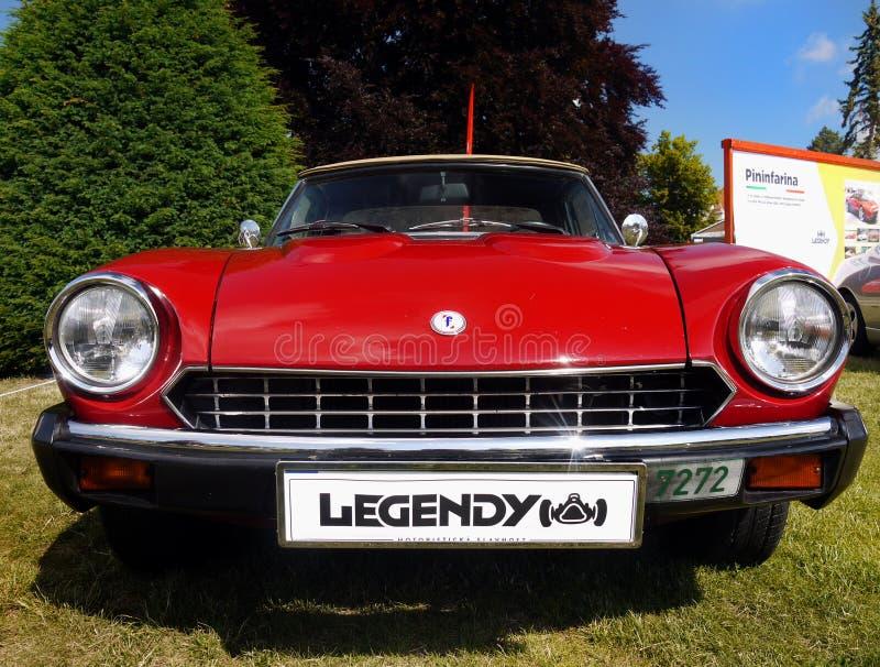 Aranha de Fiat, carros de esportes do vintage imagens de stock royalty free
