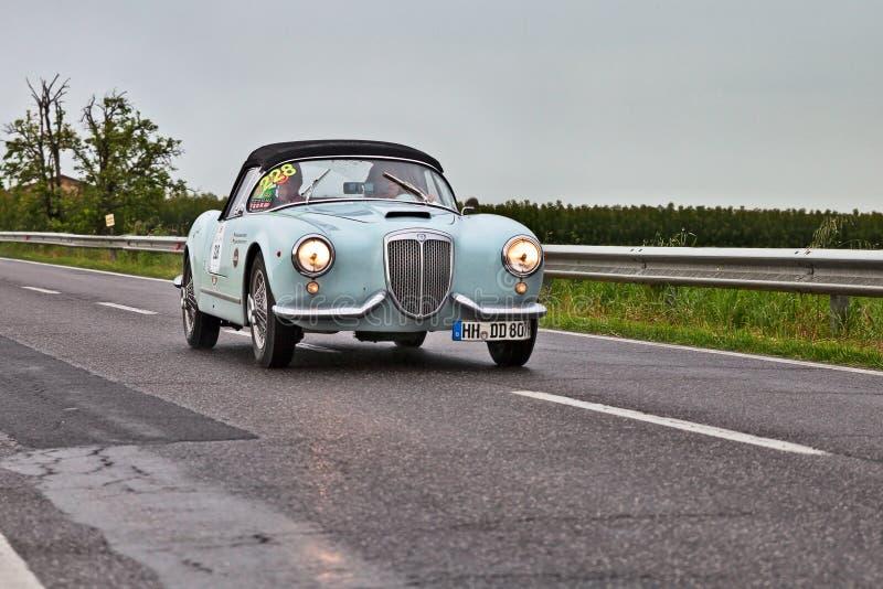 Aranha 1955 de LANCIA Aurelia B24 em Mille Miglia 2013 foto de stock royalty free