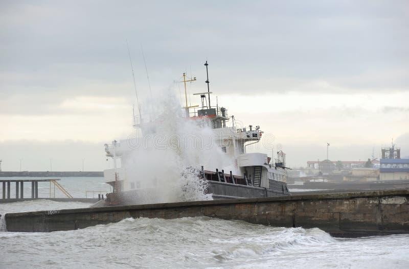 Aras 1 droog vrachtschip dat aan een schipbreuk lijdt royalty-vrije stock afbeelding